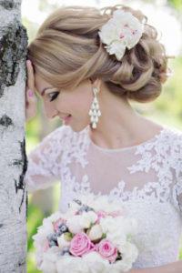косоплетение в свадебной укладке