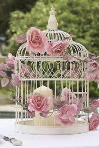 свадебный стол декор цветы в декоративной клетке