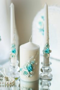 свадебные свечи в голубом цвете