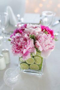 пионы в свадебном украшении