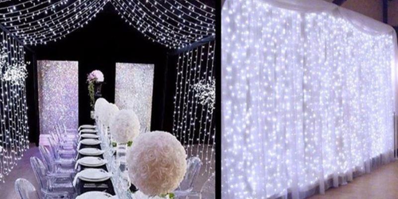 свадебный зал украшен лед гирляндой