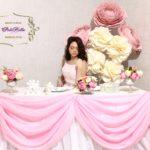 Украшение свадебного зала гигантскими цветами