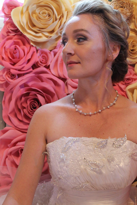Фотозона свадебная из цветов