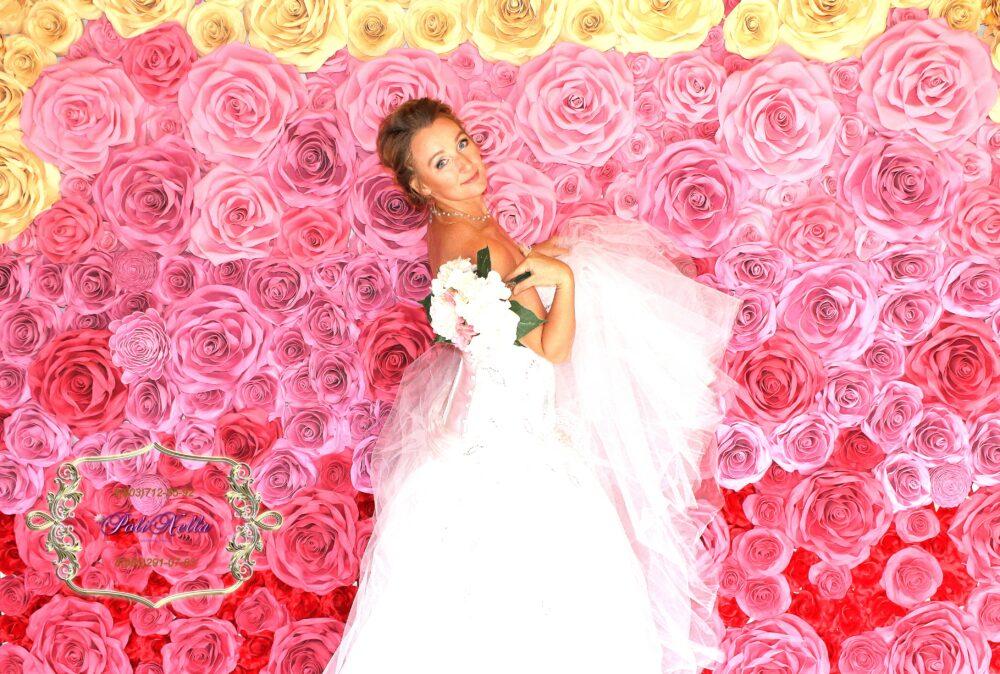 Фотозона свадебная красно-розовая