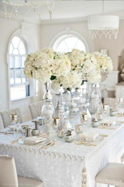 Оформление столов гостей в белом