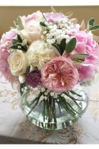 пионы и розы в свадебной композиции