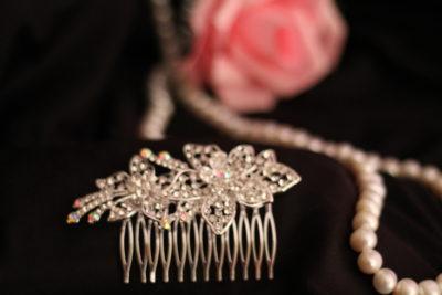 заколка цветок на свадебную прическу