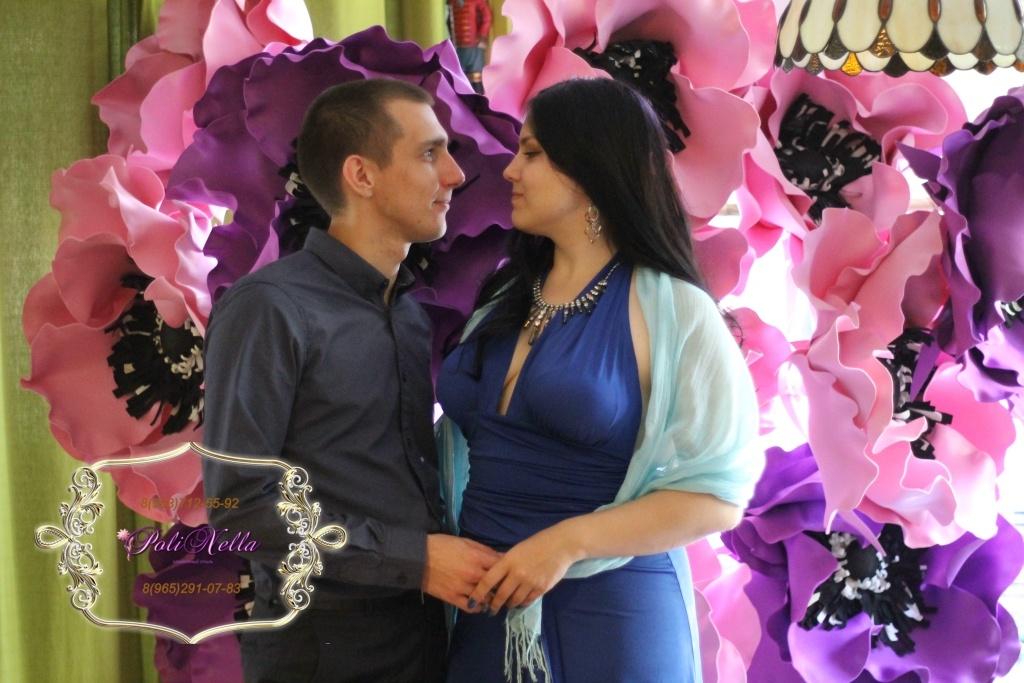 Фотозона из цветов на свадьбу в Москве