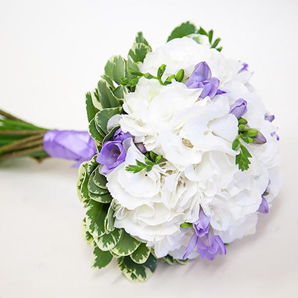 Букет невесты в лавандовом цвете