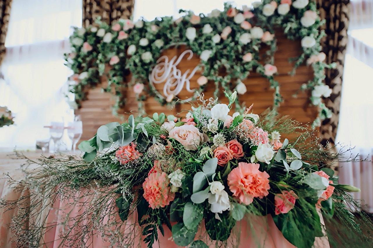 Украшение свадьбы живыми цветами